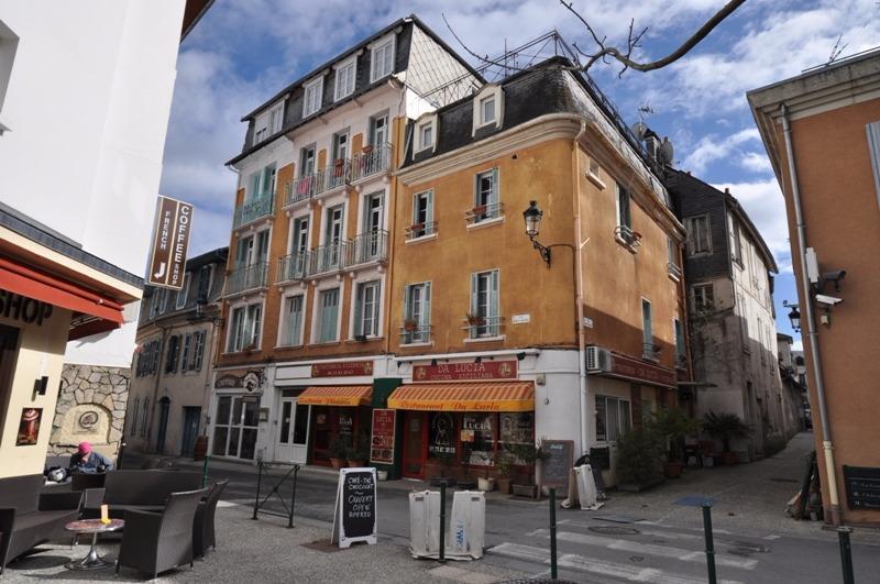 EXCLUSIVITÉ LOURDES CENTRE, A VENDRE, Bel immeuble de caractère avec ascenseur et terrasse, Agence immobilière Libre-Immo dans la région Pyrénées-Atlantiques à Nay et Pau