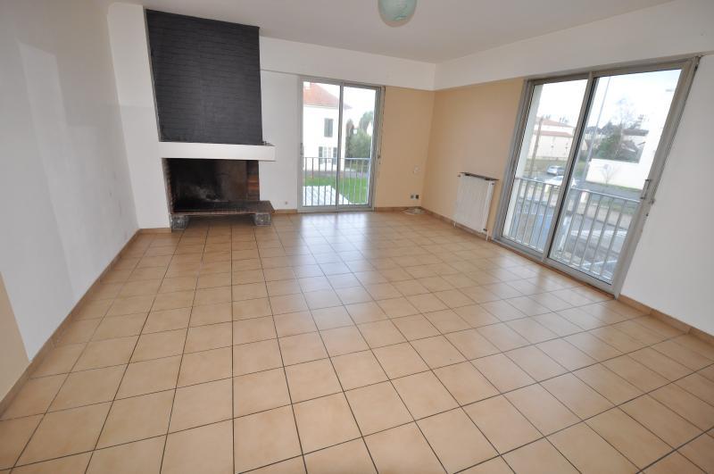 PAU LECLERC, A VENDRE, Appartement T4 de 108 m² avec parking, Agence immobilière Libre-Immo dans la région Pyrénées-Atlantiques à Nay et Pau