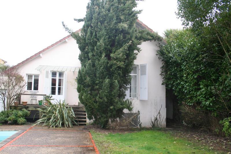 EXCLUSIVITÉ PAU, A VENDRE, maison 127 m² avec vie de plain-pied, avec piscine et dépendance, Agence immobilière Libre-Immo dans la région Pyrénées-Atlantiques à Nay et Pau