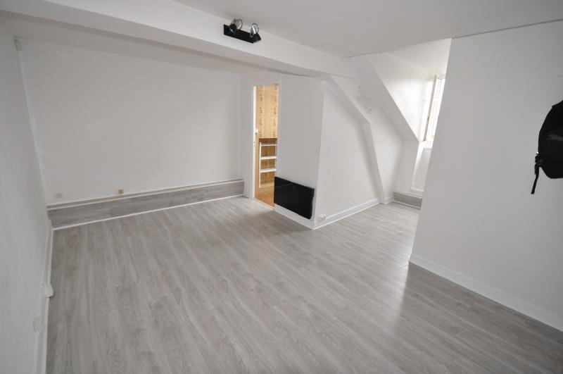EXCLUSIVITÉ PAU HALLE, A VENDRE Studio de 22 m² en dernier étage avec cave, Agence immobilière Libre-Immo dans la région Pyrénées-Atlantiques à Nay et Pau