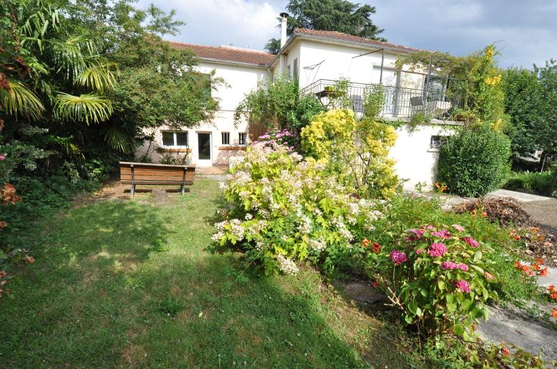 BILLERE, A VENDRE, Maison de 200 m²avec 3 chambres sur 980 m² de terrain, Agence immobilière Libre-Immo dans la région Pyrénées-Atlantiques à Nay et Pau