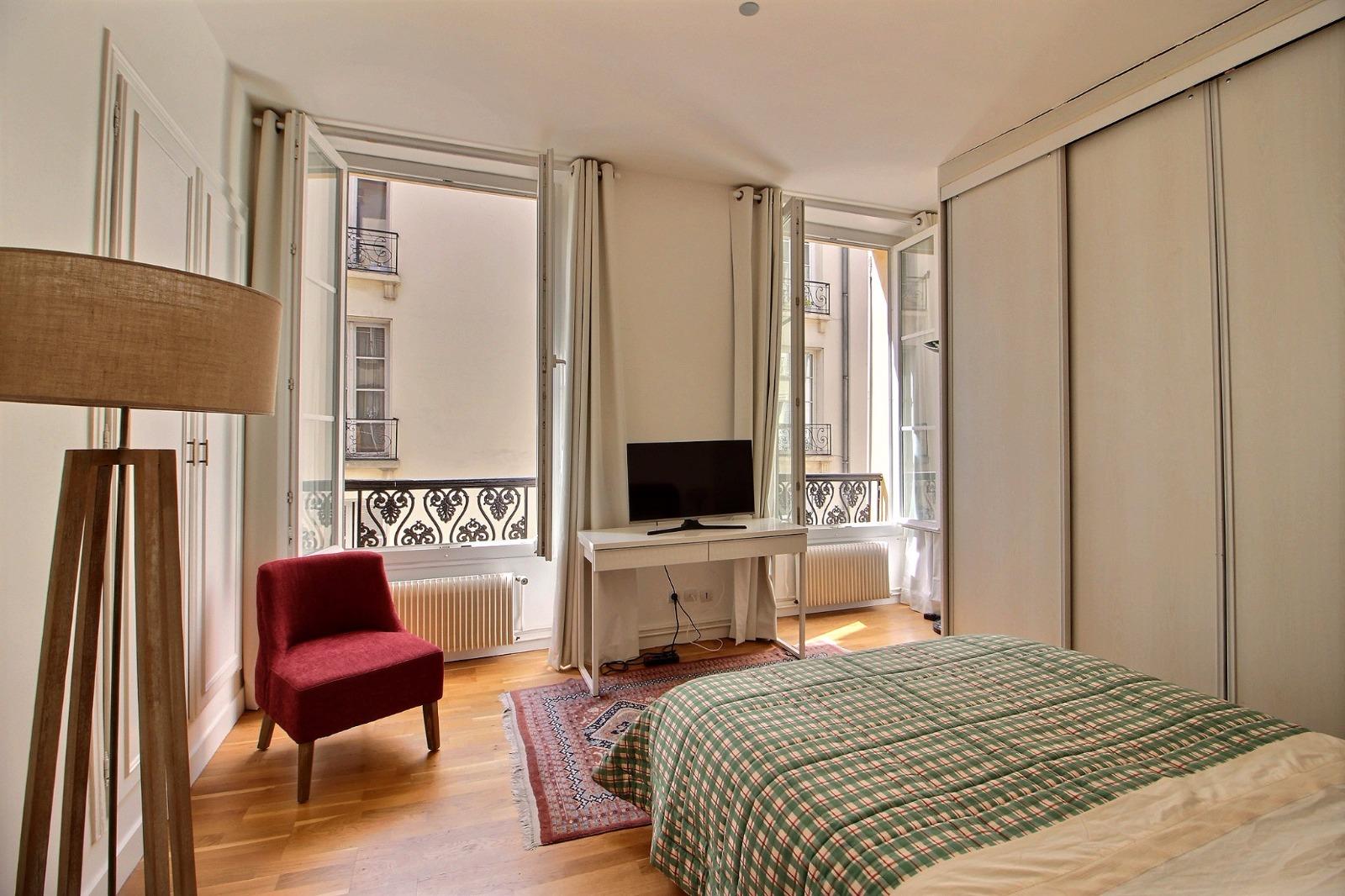 coeur saint louis 2p 32m2 parfait etat expertim immobilier. Black Bedroom Furniture Sets. Home Design Ideas