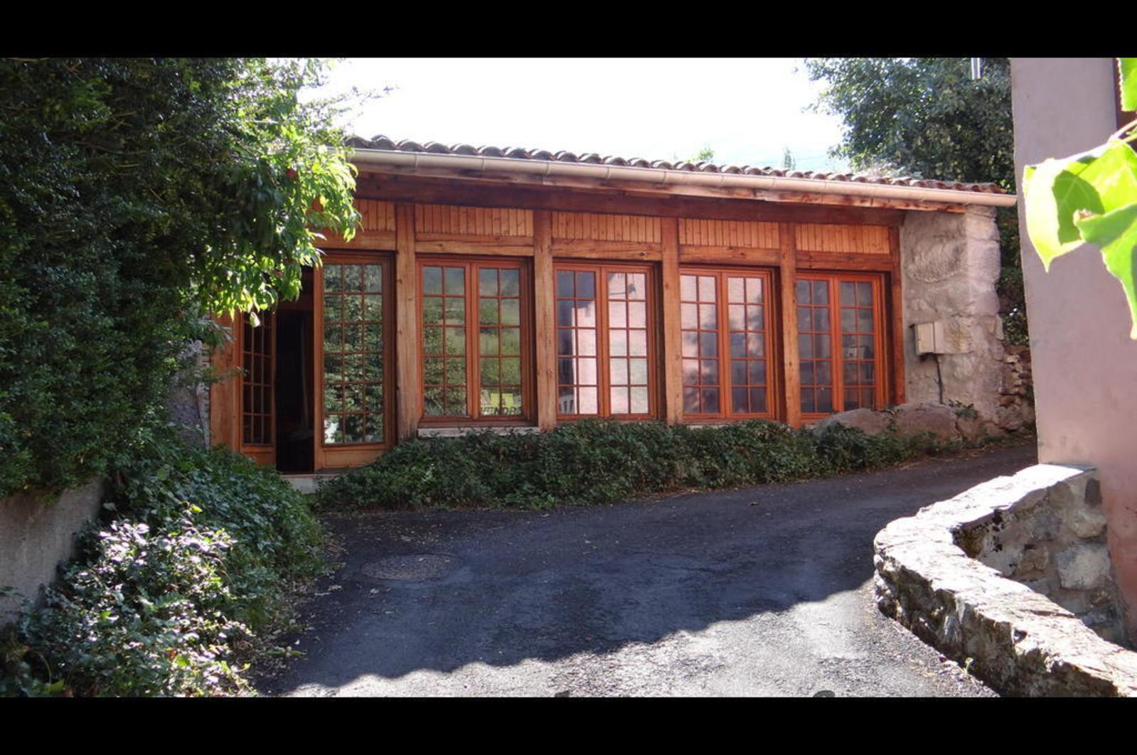 Joucou vend charmante maison en bordure de rivire dans l for Achat maison aude