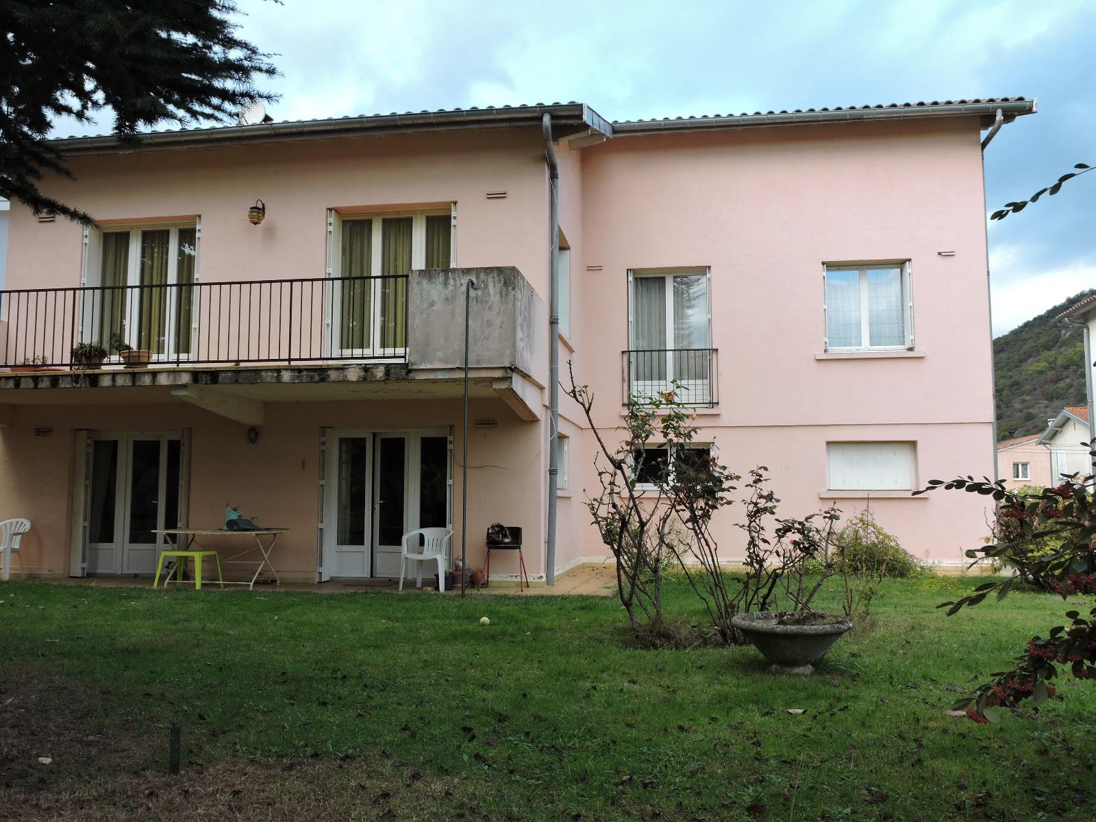 Foix maison avec jardin et appartement t2 indpendant for Achat appartement avec jardin