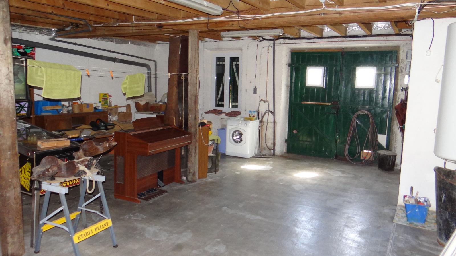 Garage maison delphine petite maison ou micro maison aire for Garage maison