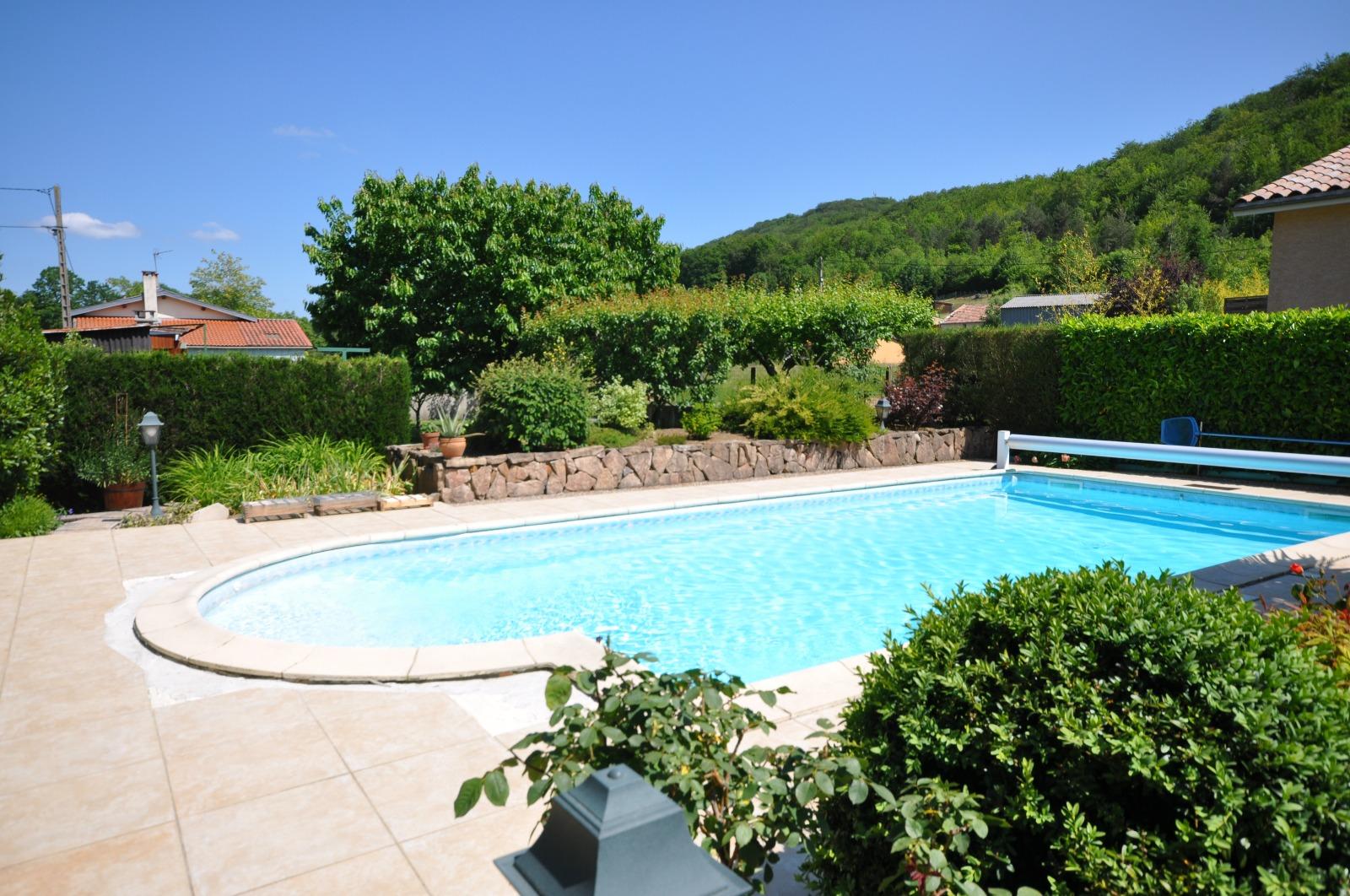 Lavelanet belle maison avec piscine unchezvous - Belle maison avec piscine ...