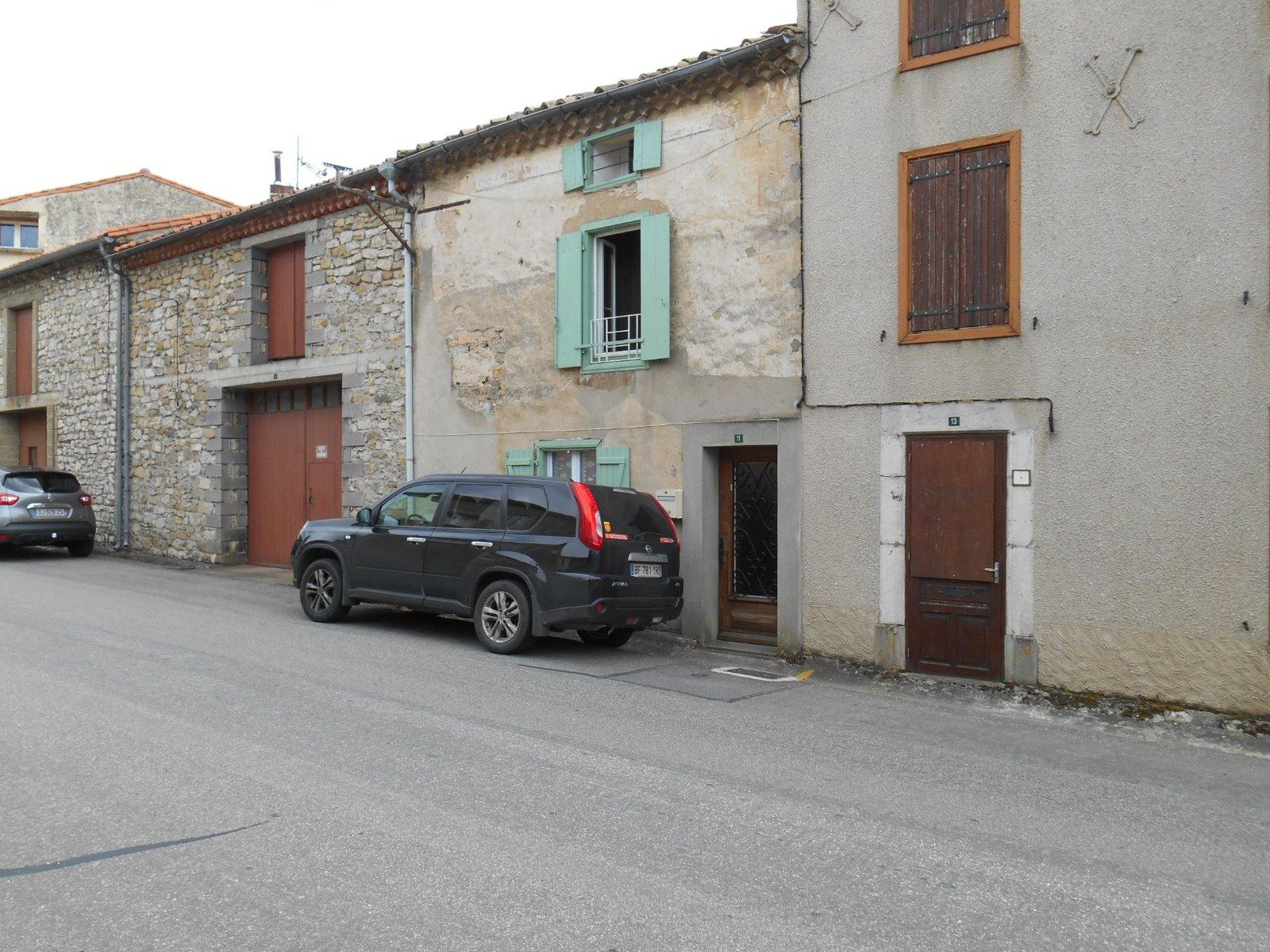 Puivert puivert dans l 39 aude maison de village vendre for Achat maison aude