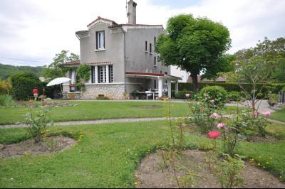 grande maison avec piscine, sur grand terrain, Agence Immobilière UnChezVous, dans les départements de l'Ariège et de l'Aude