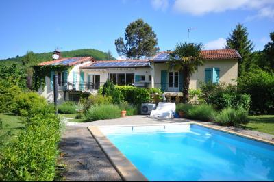 Maison 11 pièce(s)  de 249 m² env. , Agence Immobilière UnChezVous, dans les départements de l'Ariège et de l'Aude