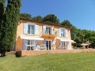 Magnifique villa de 207m2 sur 16800m2 de terrain, Agence Immobilière UnChezVous, dans les départements de l'Ariège et de l'Aude
