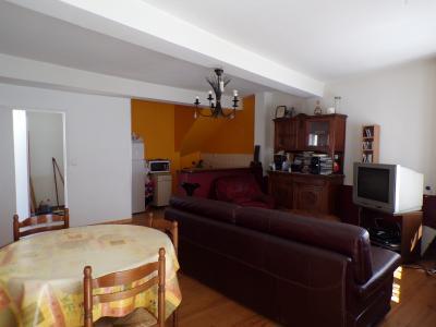 Vue: séjour cuisine, Lavelanet, maison rénovée de 100 m² environ