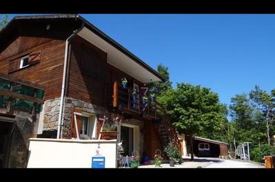 CHALET EN TRES BON ETAT DANS UN COIN TRANQUILLE, Agence Immobilière UnChezVous, dans les départements de l'Ariège et de l'Aude