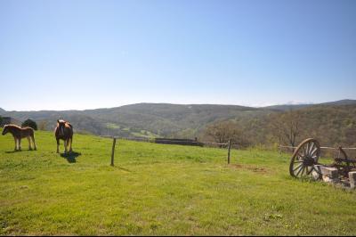 Superbe ferme située dans 110 hectares deterres avec des vues à vous couper le souffle