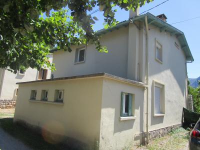 Tarascon, à vendre très bien située proche centre ville, maison 4 chambres avec jardin 435m²