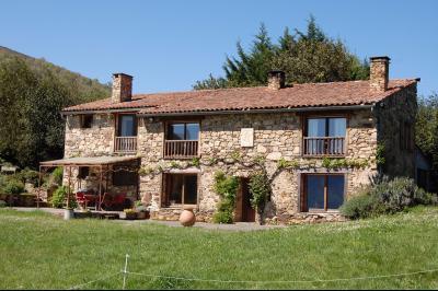 Maison de campagne idyllique BIO avec 17ha de terrain avec vue imprenable sur la vall�e Ariege et au, Agence Immobilière UnChezVous, dans les départements de l'Ariège et de l'Aude