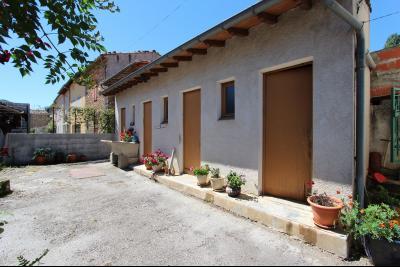 Vue: dépendances, Maison de moyenne montagne proche de Foix, pleine de charme