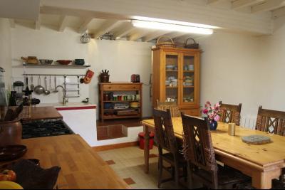 Vue: cuisine, Maison de moyenne montagne proche de Foix, pleine de charme