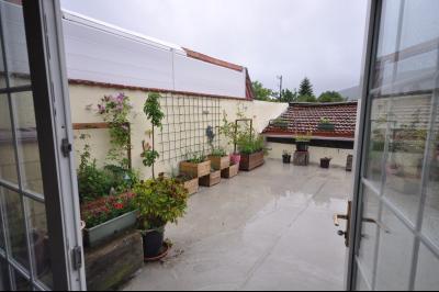 Vue: Terrasse, maison de ville avec grande terrasse