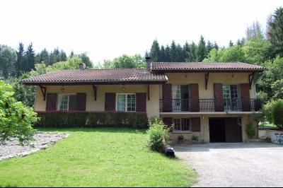 Villa de luxe avec piscine et am�nag�e dans 10000m2 de jardin paysager et bois priv�, Agence Immobilière UnChezVous, dans les départements de l'Ariège et de l'Aude