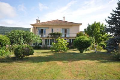 Maison 6 pièce(s)  de 160 m² env. , Agence Immobilière UnChezVous, dans les départements de l'Ariège et de l'Aude