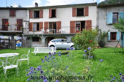 Montsegur, maison avec jardin avec vue magnifique, Agence Immobilière UnChezVous, dans les départements de l'Ariège et de l'Aude