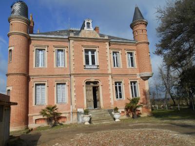 Maison LA VILLE DIEU DU TEMPLE, Agence Immobilière UnChezVous en Ariège et Aude