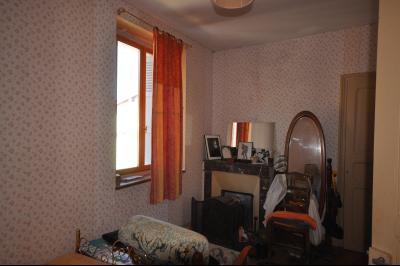 Vue: Chambre 2, 1er étage, Maison de village avec terrain de 1500m2 plein sud