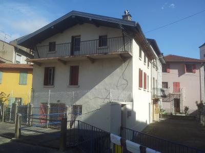 Maison compos�e de trois appartements, Agence Immobilière UnChezVous, dans les départements de l'Ariège et de l'Aude