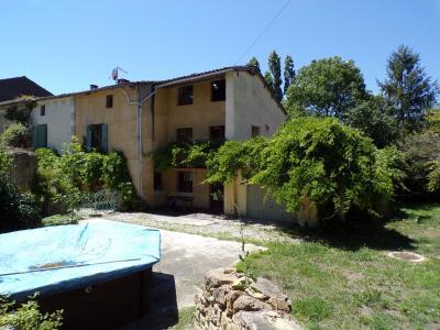 Grande maison avec beau jardin arbor� de 1400m2, dans village de charme du Pays de Mirepoix, Agence Immobilière UnChezVous, dans les départements de l'Ariège et de l'Aude