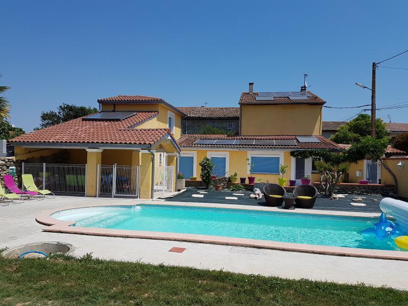 Varilhes, � vendre tr�s jolie maison 220m� avec pisicne, terrasses, jardin et garage