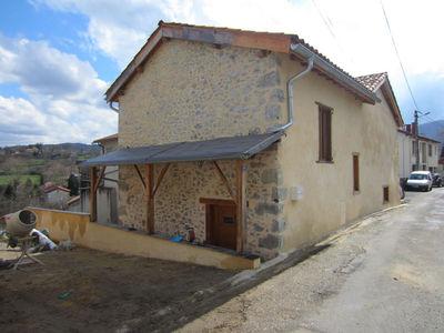 Vue: c�t� de la maison, Maison r�nov�e avec jardin Saint-Girons