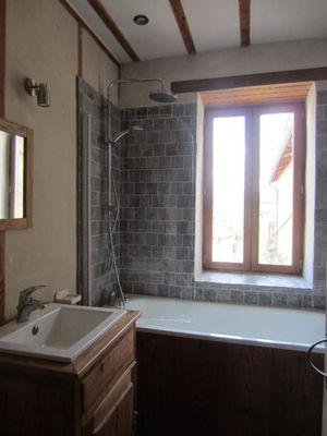 Vue: salle de bains, Maison r�nov�e avec jardin Saint-Girons