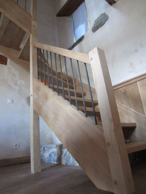 Vue: escalier, Maison r�nov�e avec jardin Saint-Girons