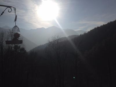 Vue: Terrain Est, Grange habitable en montagne acc�s p�destre uniquement