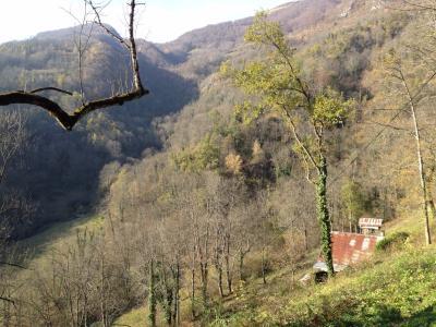 Vue: S�jour, Grange habitable en montagne acc�s p�destre uniquement