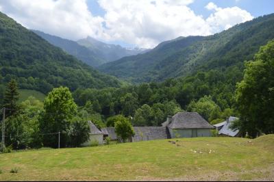 Vue: Vue montagnes voisinage, TERRAIN CONSTRUCTIBLE A SAINT-LARY
