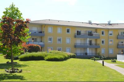 Vue: fa�ade immeuble, SAINT-GIRONS APPARTEMENT T2