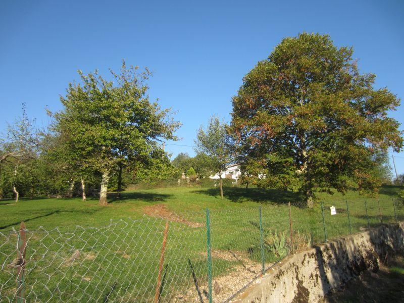 PROCHE SAINT GIRONS terrain constructible dans hameau calme