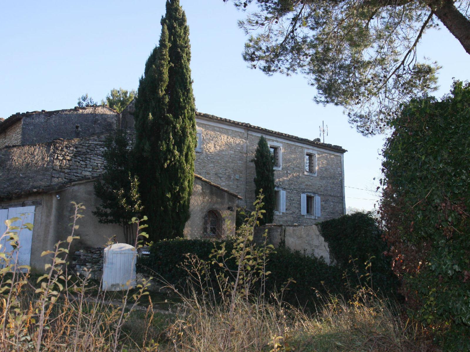 Maison de hameau en pierres vendre goult luberon for Achat maison luberon