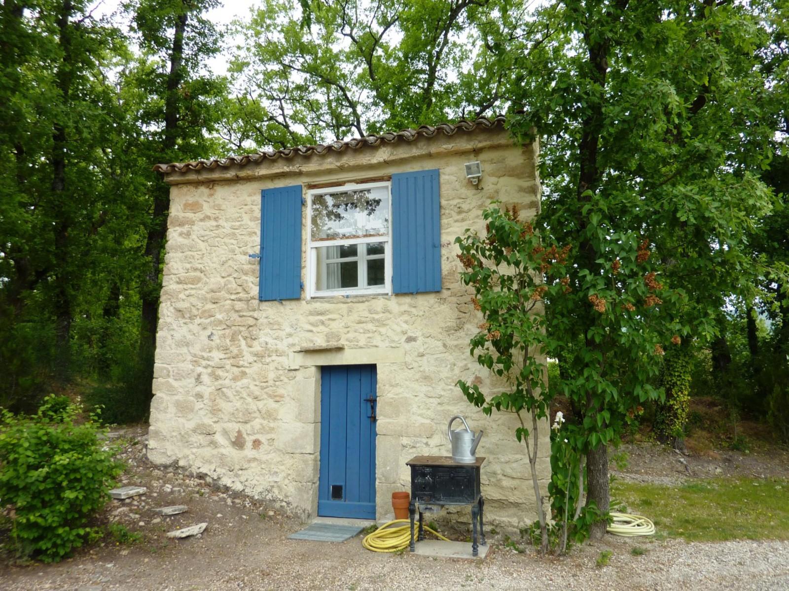 A vendre villa en pierres gordes riani immobilier for Achat maison gordes