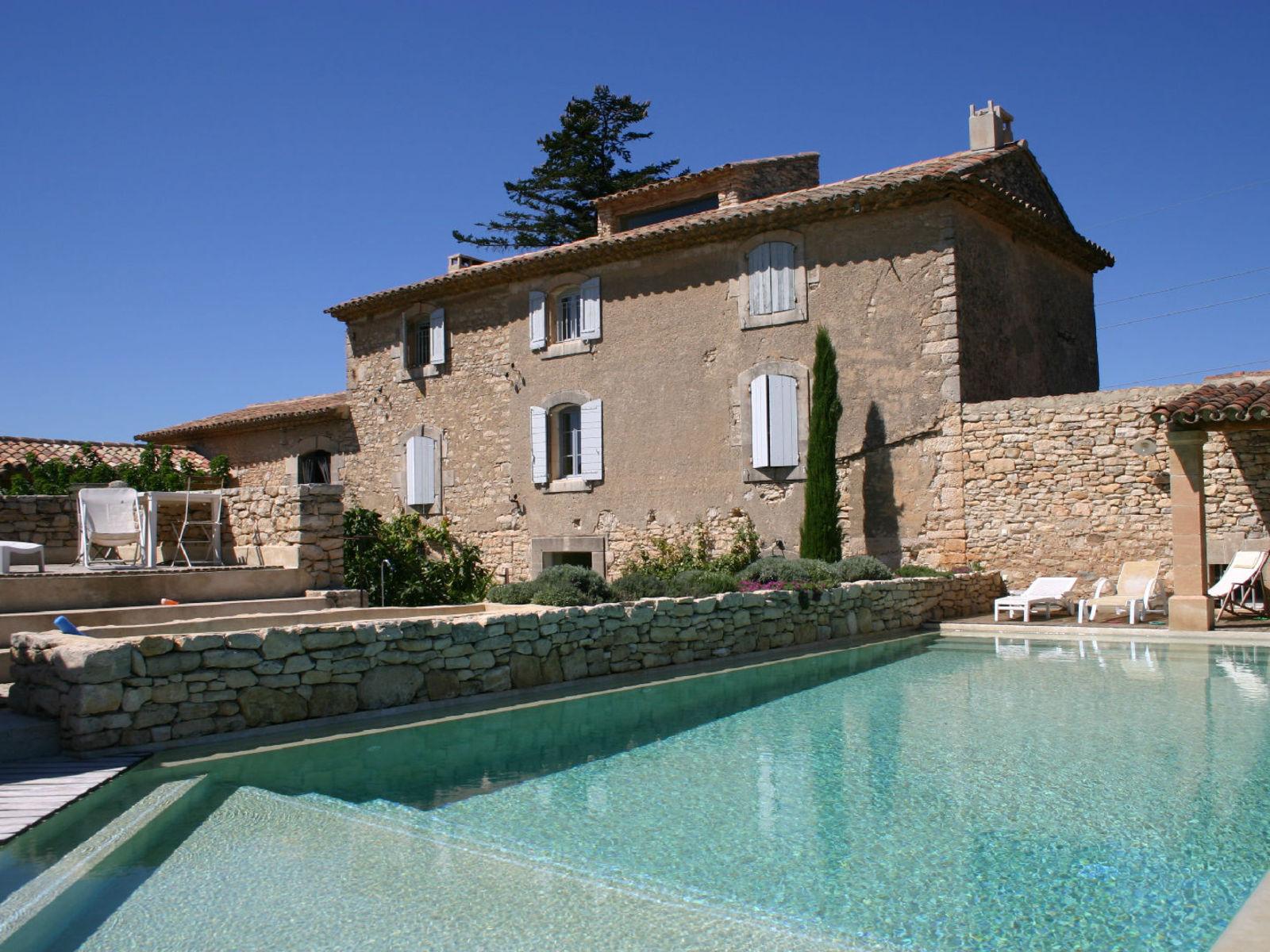 Mas proven al vendre goult avec 5 chambres et piscine for Photo de mas provencal