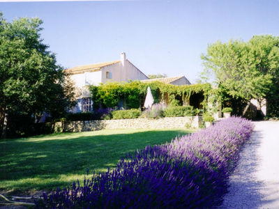 Location Saisonnièe à Gordes, 4 chambres, piscine GORDES