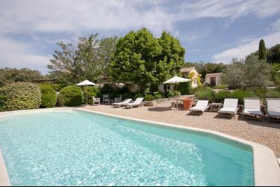location de vacances à Gordes avec 4 chambres, piscine BEAUMETTES