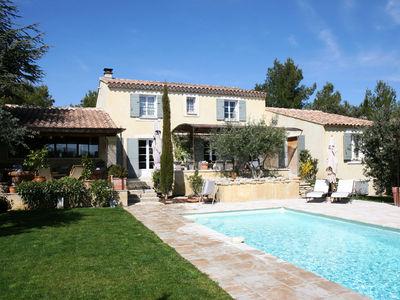 Location Saisonnière à Cabrières dans le Luberon, 4 chambres et piscine CABRIERES D'AVIGNON