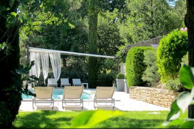 Location Saisonnière a quelques pas de Menerbes,  3 chambres et piscine Menerbes