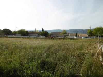 Terrain Constructible à maubec, coustellet, 708m² MAUBEC