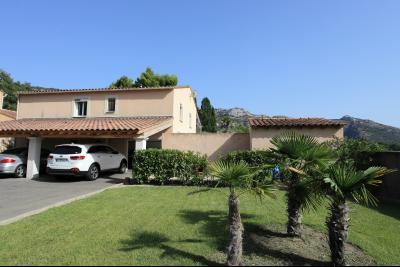 Villa à vendre à  Robion avec 3 chambres. Visite à 360° ROBION