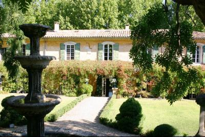 Bastide de luxe à vendre dans le Luberon, visite virtuelle 360° APT