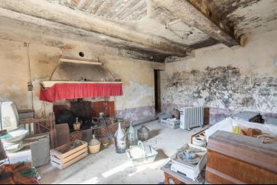 Mas mitoyen à restaurer à Cavaillon, 3 chambres, 9000m² terrain CAVAILLON