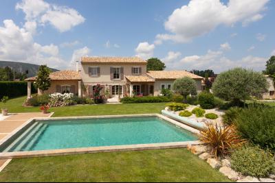 Villa à vendre à Oppède avec 5 chambres visite à 360° OPPEDE